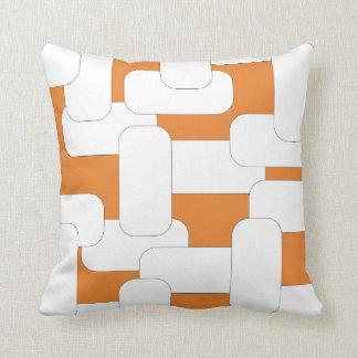 Verbundenes Weiß u. Orange Kissen