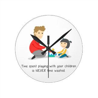 Vergeuden Sie nicht Stempeluhr Runde Wanduhr