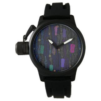 Verläuft Vertikale von den Linien im Zickzack Armbanduhr