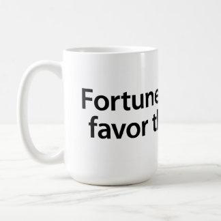 Vermögen und Liebe bevorzugen das tapfere Kaffeetasse