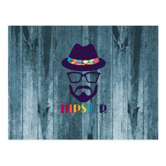 Verres colorés de chapeau de hippie frais sur le b carte postale