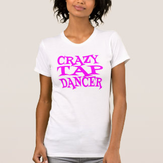 Verrückt stechen Sie Tänzer im Rosa an T-Shirt