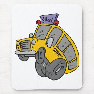 Verrückter gelber Schulbus Mousepad