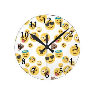 Verrückter smiley Emojis Runde Wanduhr