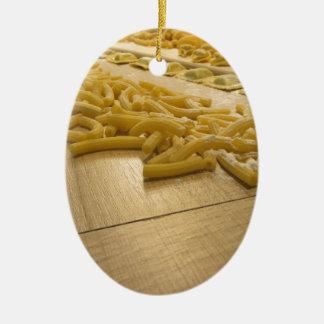 Verschiedene Mischung der frischen italienischen Ovales Keramik Ornament