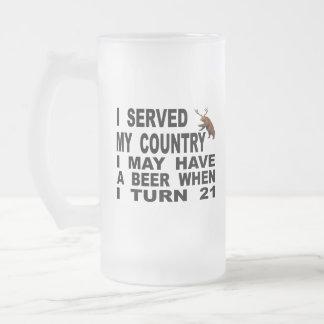 Verspotten des Mindestalters für Alkoholkonsum 21 Mattglas Bierglas