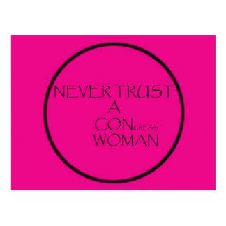 Vertrauen Sie nie einer BETRUG Frau Postkarte