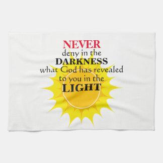 Verweigern Sie nie in der Dunkelheit Handtuch
