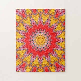 Verwickelte rote und gelbe Mandala