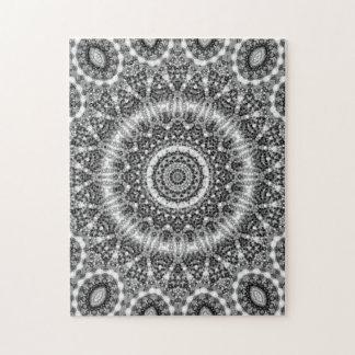 Verwickelte Schwarzweiss-Mandala