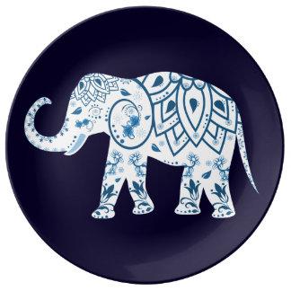Verzierter Elefant der dekorativen Porzellanplatte Teller