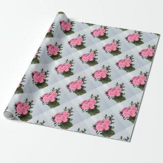 Vibrierender Blumenstrauß der schönen rosa Rosen Einpackpapier