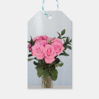 Vibrierender Blumenstrauß der schönen rosa Rosen Geschenkanhänger