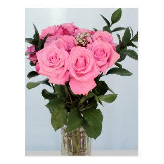 Vibrierender Blumenstrauß der schönen rosa Rosen Postkarte