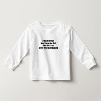 Viel zerteilt wirklich Kosten vor dem Husban einer Kleinkind T-shirt