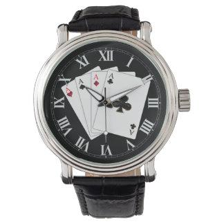 Vier As-Spielkarte-Armbanduhr Armbanduhr