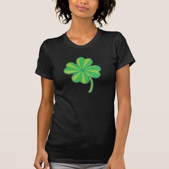 Vierblättriges Kleeblatt T-Shirt