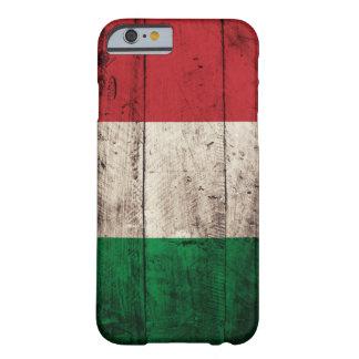 Vieux drapeau en bois de l'Italie
