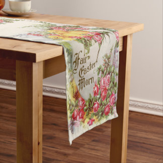 Viktorianische Küken und Rosen des Kurzer Tischläufer