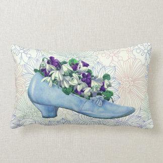 Viktorianischer blauer Schuh mit Blumen Lendenkissen