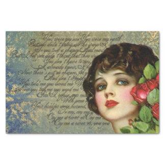 Viktorianisches Glamour-Mädchen mit Seidenpapier
