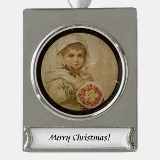 Viktorianisches Mädchen mit WeihnachtsRosen Banner-Ornament Silber