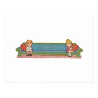 Vintag auf dem CouchValentine Postkarte