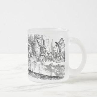 Vintage Alice im Wunderland-wütendes Mattglastasse