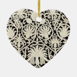 Vintage antike Spitze und Leinen Keramik Ornament