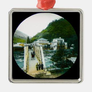 Vintage japanische Morgen-Überfahrt-Brücke altes Quadratisches Silberfarbenes Ornament