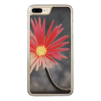 Vintage rote Gänseblümchen-Blumen Carved iPhone 8 Plus/7 Plus Hülle