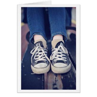 Vintage Tennis-Schuhe verblaßten Grußkarte