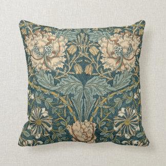 Vintage Tulpen durch William Morris Zierkissen