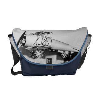 Vintager Doppeldecker-Flieger Kuriertasche