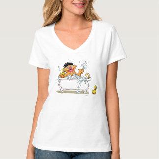 Vintager Ernie in der Badewanne T-Shirt