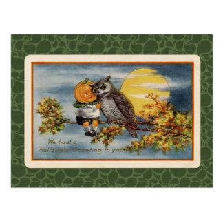 Vintager Halloween-Kürbis-Junge und Eule Postkarte