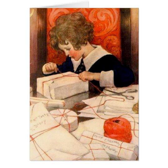 Vintager Junge, der Geschenke einwickelt Grußkarte