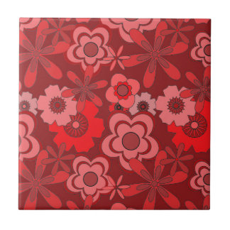 Vintager roter Blumenentwurf Kachel