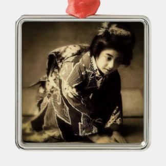 Vintager VerbeugungGeishaSepia tonte お辞儀 Japaner Quadratisches Silberfarbenes Ornament