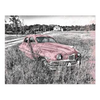 Vintages Auto mit rosa Akzenten Postkarte