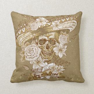 Vintages Blumenzuckerschädelthrow-Kissen Kissen
