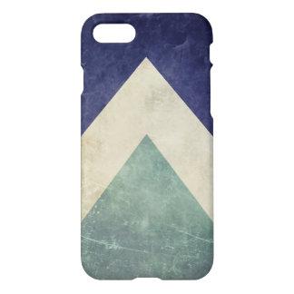 Vintages Dreieckmuster iPhone 7 Hülle