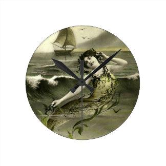 Vintages Meerjungfraubild Runde Wanduhr