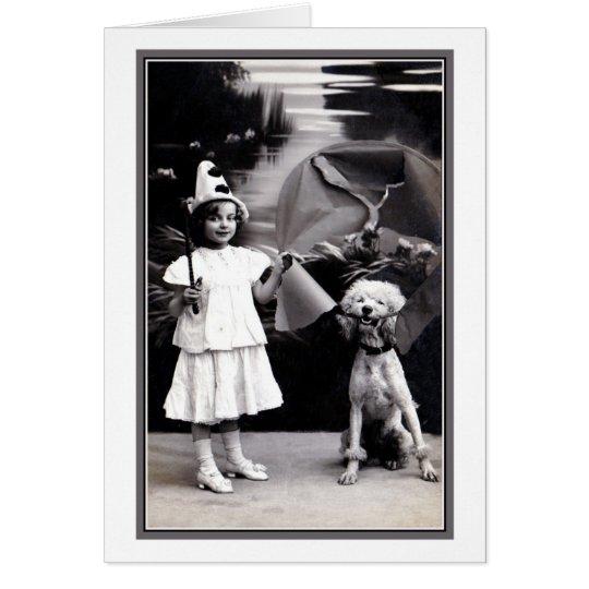 Vintages niedliches kleines Pierrot Mädchen mit Karte