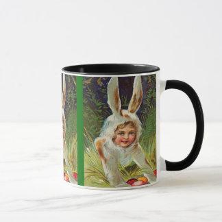 Vintages Ostern-Mädchen im Häschen-Kostüm Tasse