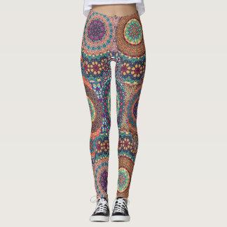 Vintages Patchwork mit Blumenmandalaelementen Leggings