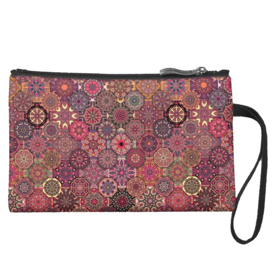Vintages Patchwork mit Blumenmandalaelementen Mini Velour Clutch