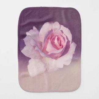 Vintages Rosen-Blumen-Rosa-lila Entwurf Spucktuch