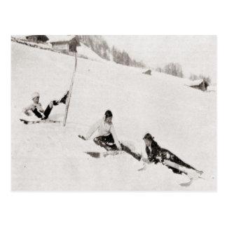Vintages Skibild, unten stolpernd Postkarte