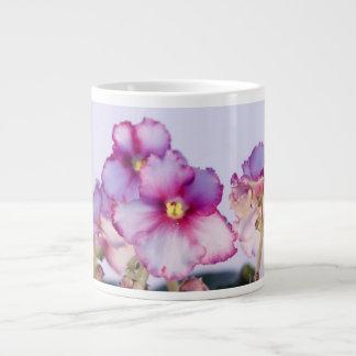 Violette Blumen 20-Unze-riesige Tasse - Schüssel